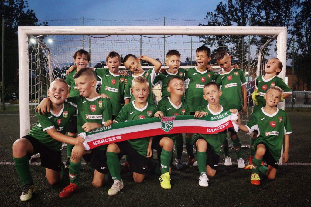 Drużyna piłkarska dzieci Mazur Karczew 2011